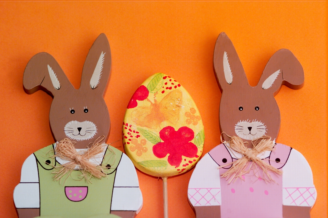 Two Easter Bunnies with Easter Egg