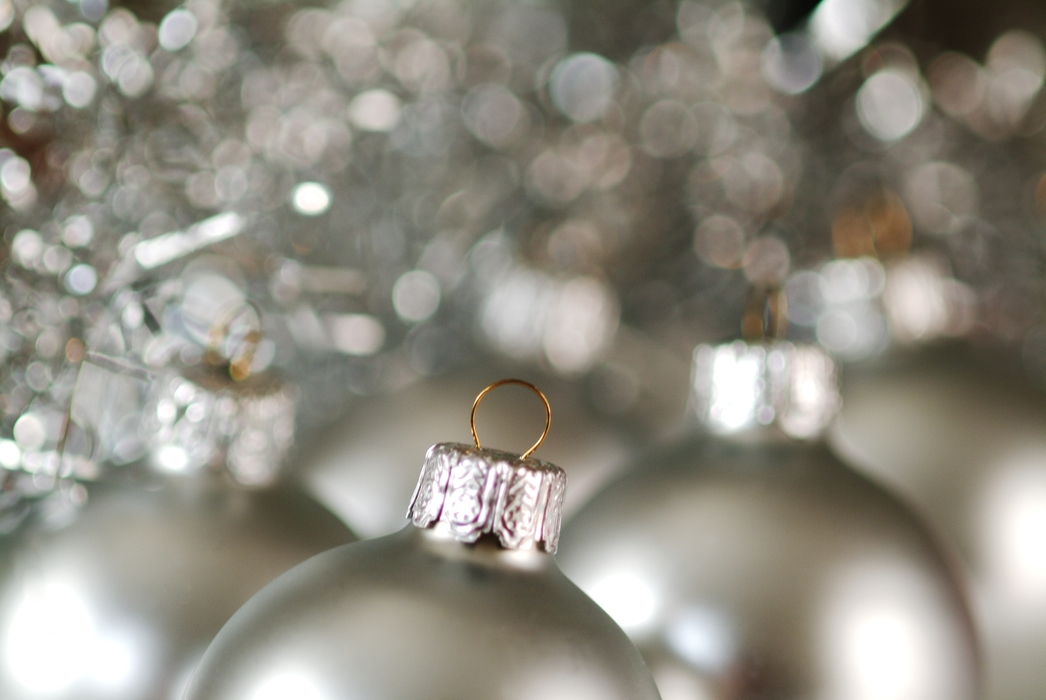Christmas Ornaments: Silver Balls