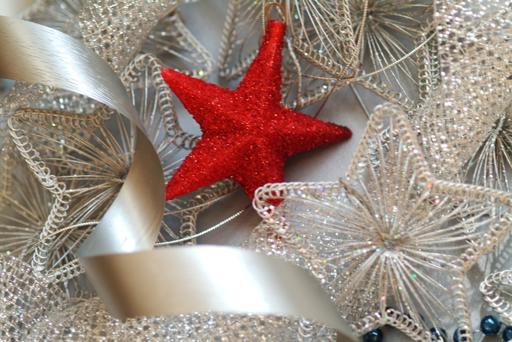 Christmas Ornaments: Red Star
